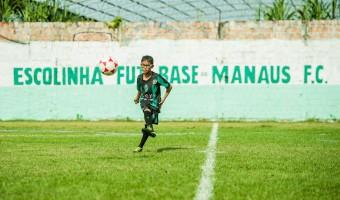 Novo gramado para alunos e atletas da escolinha e da base do Manaus FC