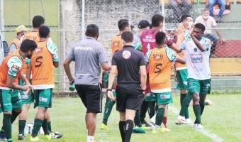 Com boas atuações, Davis, Barba e Luis Fernando emplacam seleção do primeiro turno