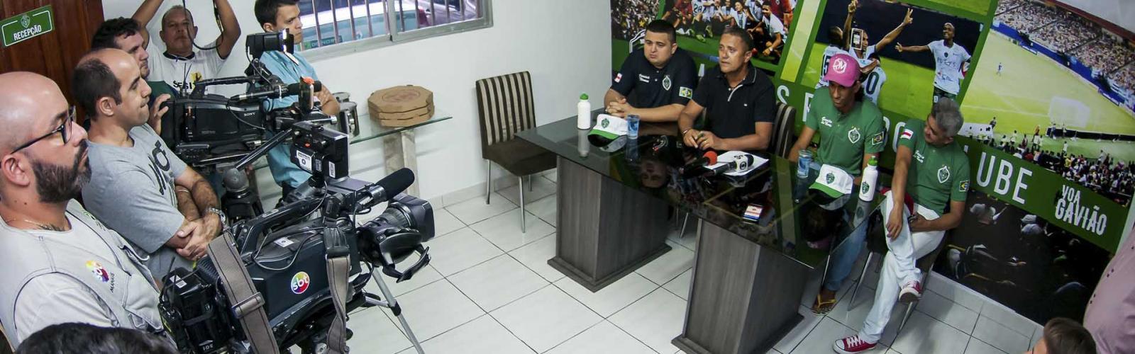 Hamilton renova contrato com Manaus FC por mais um ano