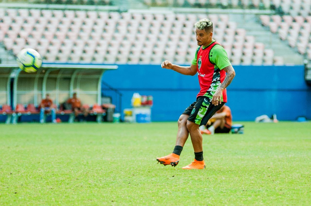 Meia Diogo Peixoto renova com Manaus FC para 2020