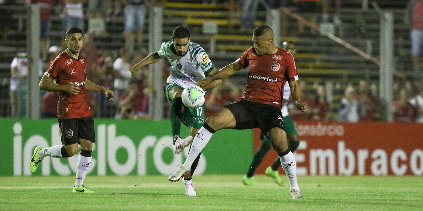 Manaus perde e está eliminado da Copa do Brasil
