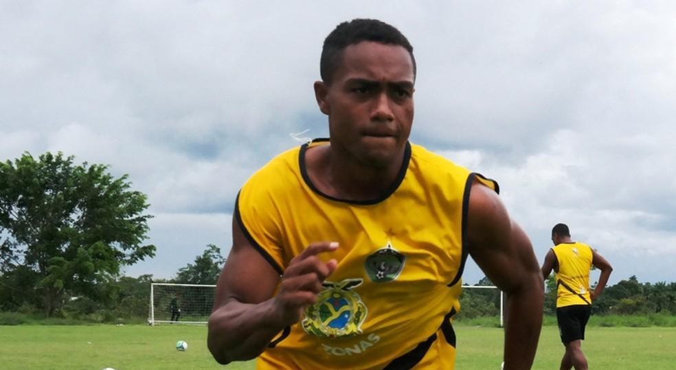 Manaus FC lança campanha para ajudar o atacante Claudinei