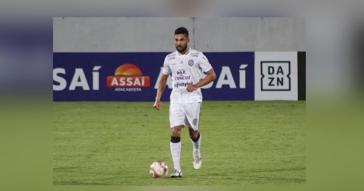 Manaus FC anuncia a contratação do volante Vinícius Barba